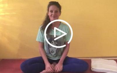 Yogaübung für den unteren Rücken